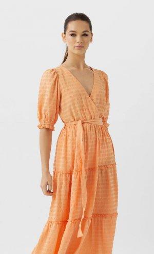 Длинное Платье С Воланами Женская Коллекция Оранжевый L Stradivarius. Цвет: оранжевый