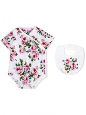 Комплект из боди и нагрудника с розами Dolce & Gabbana Kids. Цвет: розовый