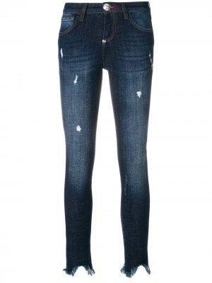 Состаренные джинсы с необработанным краем и кисточками Philipp Plein. Цвет: синий