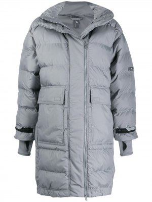 Пальто-пуховик adidas X Stella McCartney. Цвет: серый