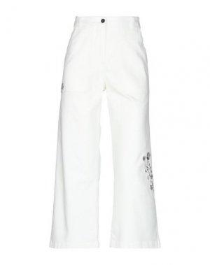 Джинсовые брюки-капри MYTHS. Цвет: белый