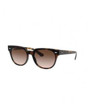 Солнечные очки RAY-BAN. Цвет: коричневый