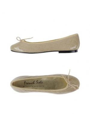 Балетки FRENCH SOLE. Цвет: бежевый