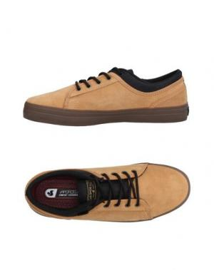 Низкие кеды и кроссовки DVS SHOE COMPANY. Цвет: песочный