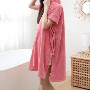 Ванное полотенце с узором клубники носимый SHEIN. Цвет: розовые