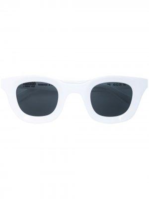 Солнцезащитные очки Rhodeo из коллаборации с Rhude Thierry Lasry. Цвет: белый