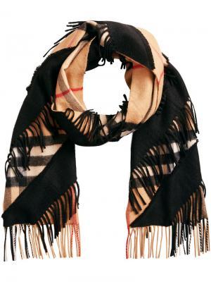 Классический шарф с узором в клетку Burberry. Цвет: нейтральные цвета