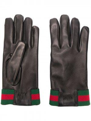 Перчатки с полосками Gucci. Цвет: черный