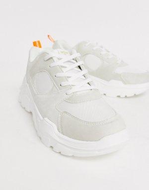 Белые кроссовки на массивной подошве -Белый Creative Recreation