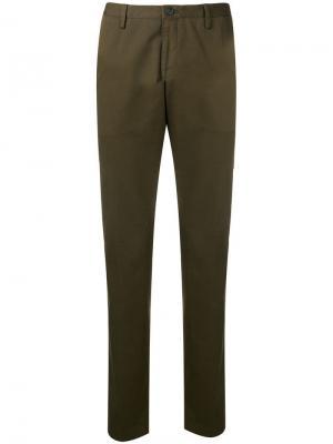 Классические брюки чинос Boss Hugo. Цвет: зеленый