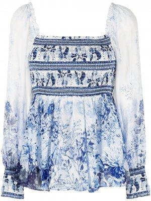 Блузка со сборками и цветочным принтом Camilla. Цвет: белый