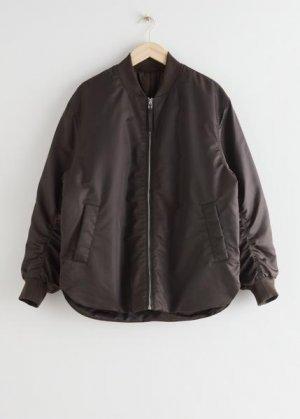 Куртка-бомбер кроя оверсайз на молнии &Other Stories. Цвет: коричневый