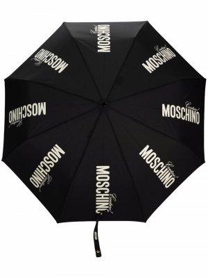 Logo-print contrast-handle umbrella Moschino. Цвет: черный