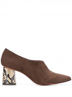 Туфли-лодочки Loa Chie Mihara. Цвет: коричневый