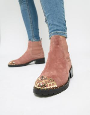 Розовые замшевые ботинки с металлической фурнитурой -Розовый Sofie Schnoor
