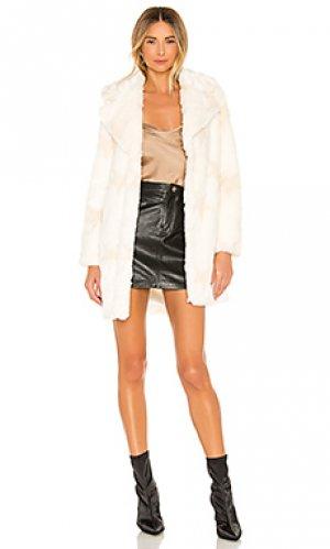 Пальто из искусственного меха stellar NBD. Цвет: ivory