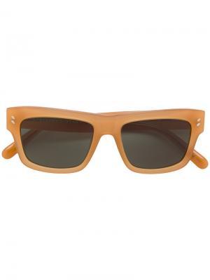 Солнцезащитные очки в квадратной оправе Stella Mccartney Eyewear. Цвет: бежевый