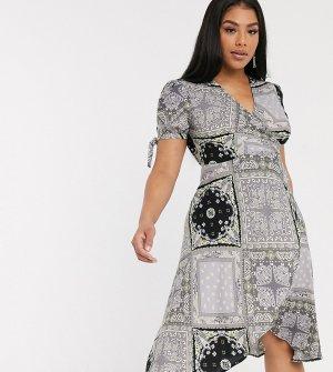 Платье мини с запахом и бандановым принтом -Мульти AX Paris Plus