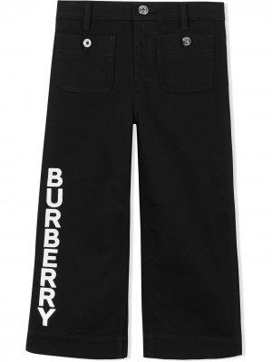 Брюки с логотипом Burberry Kids. Цвет: черный
