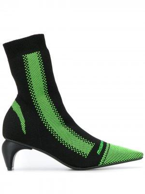 Ботильоны-носки на скульптурном каблуке MISBHV. Цвет: черный