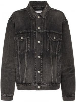 Джинсовая куртка с принтом логотипа Balenciaga. Цвет: черный