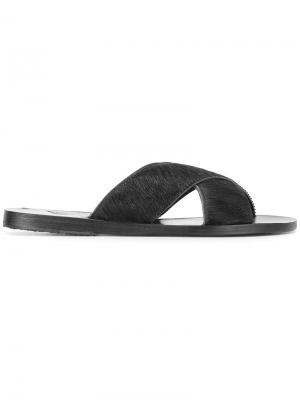 - Для нее Ancient Greek Sandals. Цвет: черный
