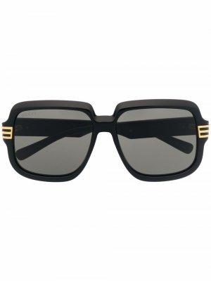 Солнцезащитные очки в массивной оправе Gucci Eyewear. Цвет: черный