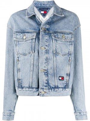 Джинсовая куртка с вышитым логотипом Tommy Jeans. Цвет: синий