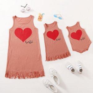 Боди с рисунком сердца для девочек SHEIN. Цвет: пыльный розовый