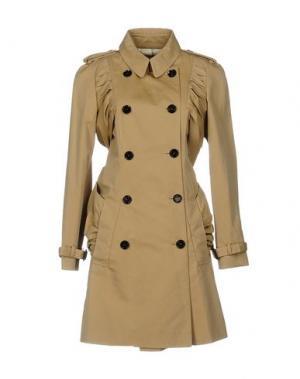 Легкое пальто BURBERRY. Цвет: песочный
