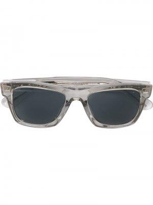 Затемненные солнцезащитные очки в квадратной оправе Oliver Peoples. Цвет: черный