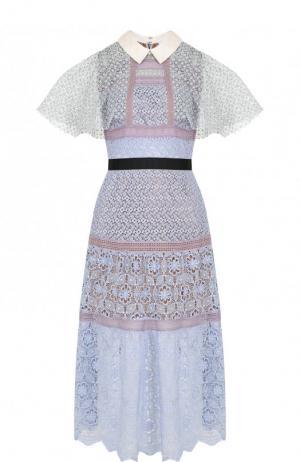 Приталенное кружевное платье-миди self-portrait. Цвет: голубой