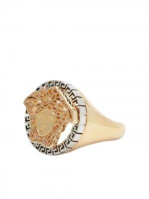Позолоченный перстень с декором Medusa Versace. Цвет: золотистый