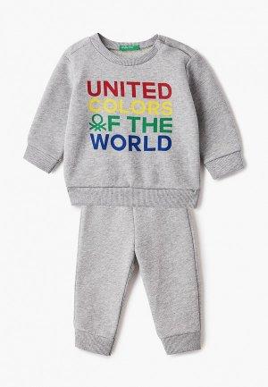 Костюм спортивный United Colors of Benetton. Цвет: серый