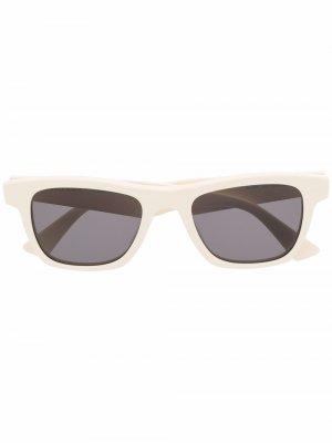 Солнцезащитные очки в прямоугольной оправе Bottega Veneta Eyewear. Цвет: белый