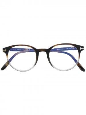Очки FT5695-B в оправе панто TOM FORD Eyewear. Цвет: коричневый