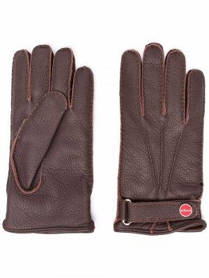 Перчатки с ремешком Kiton. Цвет: коричневый