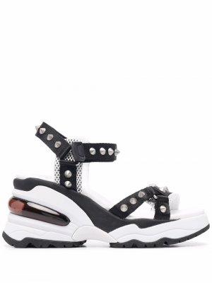 Массивные сандалии Dean с заклепками ASH. Цвет: белый