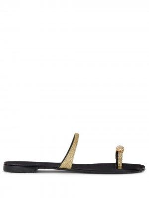 Toe-ring leather sandals Giuseppe Zanotti. Цвет: золотистый