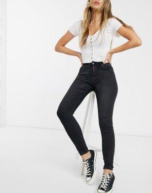 Черные джинсы скинни с завышенной талией и рваной отделкой Delly-Черный Pieces
