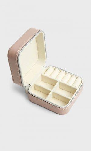 Прямоугольная Шкатулка Из Искусственной Кожи Цвет Розового Макияжа 103 Stradivarius. Цвет: цвет розового макияжа