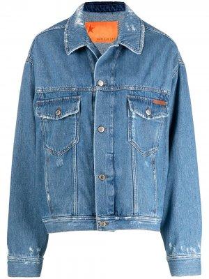 Джинсовая куртка с эффектом потертости и надписью Golden Goose. Цвет: синий