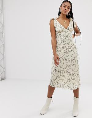 Платье макси с овальным вырезом и цветочным принтом Emory Park. Цвет: мульти