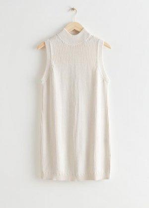 Вязаное мини-платье с воротником-стойкой &Other Stories. Цвет: белый