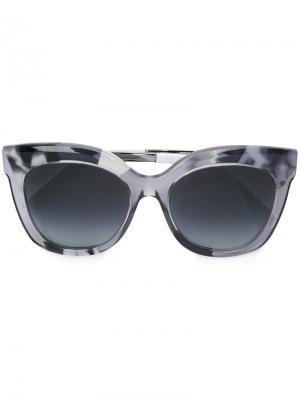 Солнцезащитные очки в прозрачной оправе Fendi Eyewear. Цвет: серый