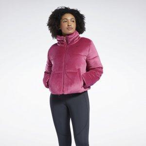 Утепленная куртка Studio Reebok. Цвет: punch berry