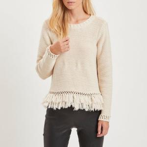 Пуловер с круглым вырезом бахромой VILA. Цвет: кремовый
