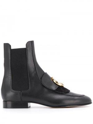Ботинки челси с металлическим логотипом Chloé. Цвет: черный