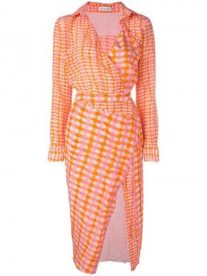 Приталенное платье-рубашка в клетку Altuzarra. Цвет: розовый