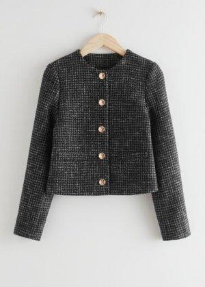Укороченный пиджак с золотистыми пуговицами &Other Stories. Цвет: разноцветный, черный, золотистый
